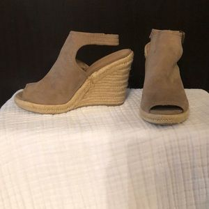 Nude Wedges, Size 9 1/2.
